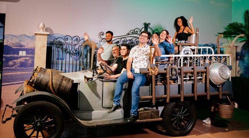 Carro da Família Buscapé é ponto de parada obrigatório no Movie Cars Entertainment - Foto: Divulgação